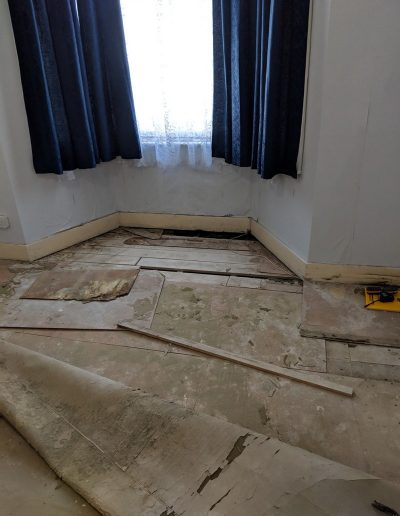 Replacing rotten floor and damp proofing in North London image1
